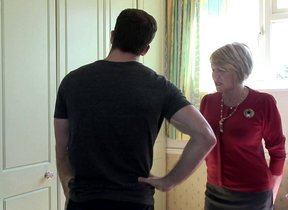 Scalding British housewife seduces rub-down the..