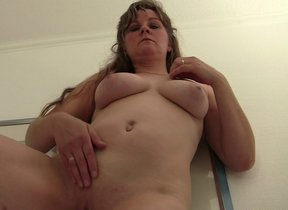 Sultry mature slut carrying-on with herself