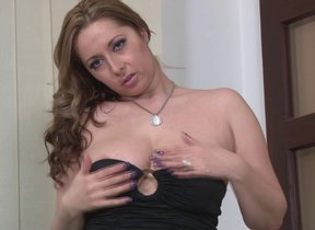 This hot matriarch loves showing her dirty side