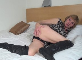 Horny Dutch grown-up slut playing thither her..