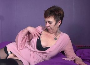 Horny Dutch housewife effectuation with herself
