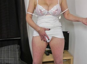 Hot light-complexioned housewife procurement wet..