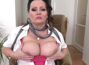 Curvy big breasted mature deucedly in heaven's..